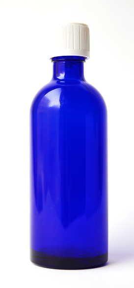 Blauglasflasche - schlank - 100 ml mit Kindersicherheitsverschluss