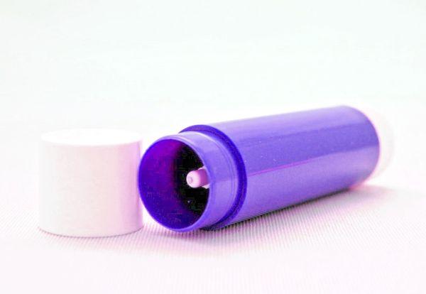 Lippenpflegestift lila (Kappe weiß)